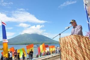 Wali Kota Ternate, Burhan Abdurahman saat menyampaikan sambutan pada acara pembukaan Festival Hiri 2017